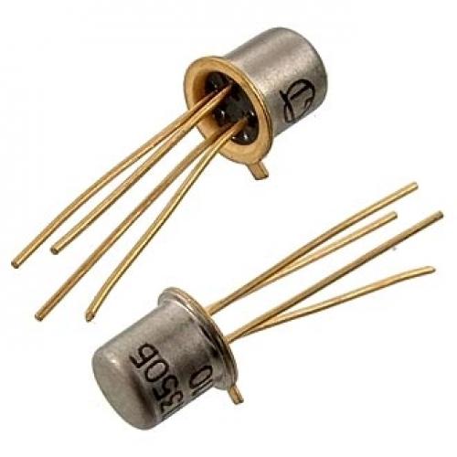 На фотографии Вы видите транзисторы, которые классифицируются как НОВЫЕ